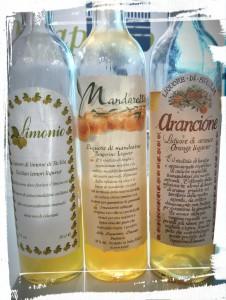 Le meilleur limoncello d'Italie, entouré des liqueurs d'Orange et de Mandarine
